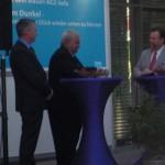 Ludger Baten im Gespräch mit Augenhilfe-Vize-Chef Peter Holzenleuchter und Lions-Präsident Klaus-Dieter Pruss.