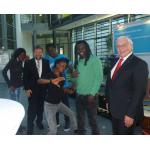 am Tam d' Afrique mit Horst Thoren (Augenhilfe) und Sparkassenvorstand Dietmar Mittelstädt