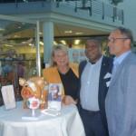 Dr. Raoul Cheuteu im Gespräch mit den deutschen Augenärzten Dr. Regina und Dr. Hans-Reinhard Mantel aus Kaarst